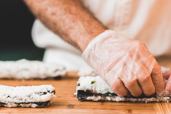 Receta de sushi enrollada a mano