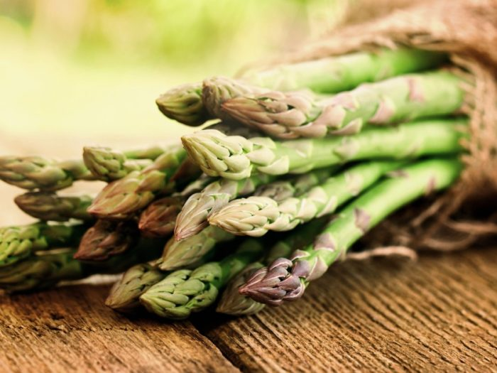 Orange steamed asparagus and artichoke hearts Recipe