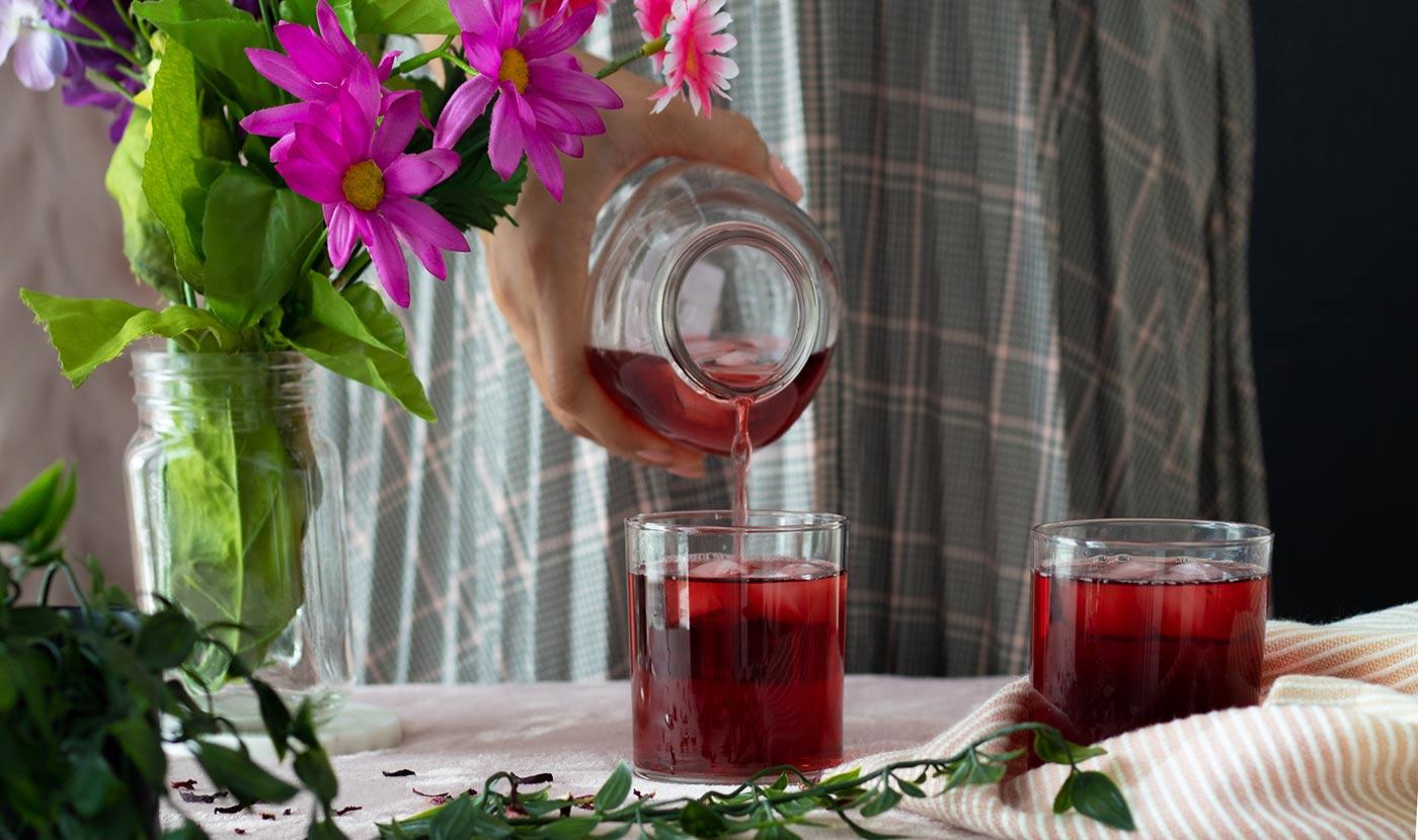Elderberry-Hibiscus-Iced-Tea-w