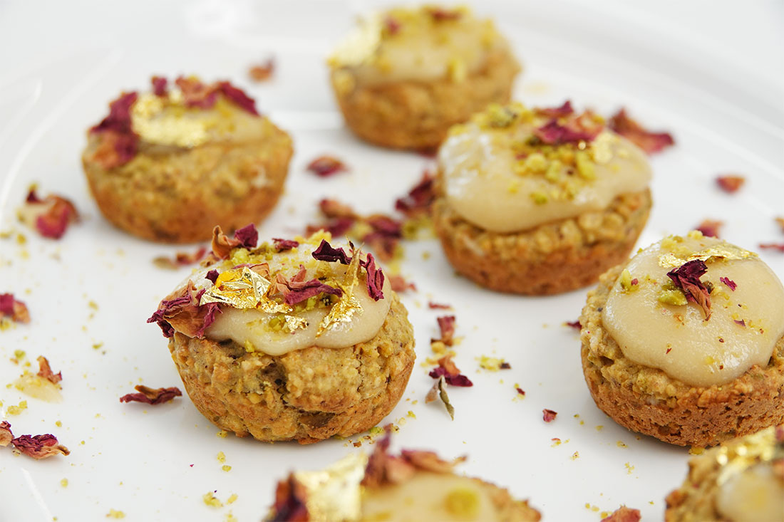 Pistachio- Cardamom-Cake-Bites